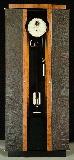 Шкаф для подзавода 48 механических часов и хранением 24 часов.
