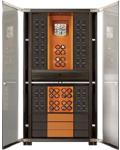 Шкаф для 56 часов с автоподзаводом с дверьми из пуленепробиваемого стекла, толщиной 16 мм.