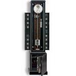 Часы-сейф-шкаф для подзавода 16 механических часов фирмы Erwin Sattler. Заводные устройства настраиваются вручную или с помощью компьютера. В основании часового шкафа встроен сейф из особо прочного сплава с электронным замком.