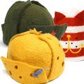 Коллекция Шапки из войлока 14 наименований стоимостью от 2000 до 4150 руб. В коллекции теплых шапок, сделанных из 100 % шерсти, можно найти оригинальный подарок другу, родственнику или коллеге. Яркие позитивные цвета и необычный дизайн поднимут настроение. Здесь можно найти и шапки-ушанки, и шерстяные банные шапки, и даже настоящую красноармейскую пилотку. Есть в коллекции и шляпа-корова, и даже ушанка в форме сыра. Такая необычная шапка — отличный подарок всем, кто предпочитает  жизнь в ярких тонах, не боится быть в центре внимания и любит экспериментировать