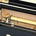 """Коллекция Музыкальные шкатулки 14 наименований стоимостью от 6200 до 98500 руб. Музыкальная шкатулка для  драгоценностей – это всегда очень сентиментальный и, в тоже время, абсолютно функциональный подарок. Великолепная фактура дерева проработана самым искусным образом, а инкрустированная на поверхности корпуса итальянская  мозаика становиться безупречным дополнением """"романтичного ансамбля"""". Купите музыкальную шкатулку для драгоценностей своей любимой – нежные звуки музыки обязательно создадут настроение."""