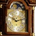 Коллекция Напольные часы Standuhren Elegance 12 наименований стоимостью от 91560 до 1024300 руб. Напольные часы - снова в моде. Позвольте себе роскошь: купите классические напольные часы Hermle. Согласно вековым традициям, корпус часов изготавливается из дорогих пород дерева, подобающим образом декорируется и комплектуется высокоточным механизмом. Кварцевые и механические напольные часы от Hermle – это особый предмет интерьера, которым стоит гордиться.