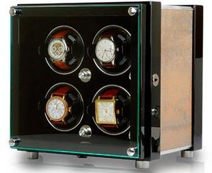 Шкатулка для 4-х наручных часов с автоподзаводом в корпусе из натурального дерева.