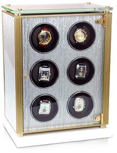 Шкатулка для 6-ти механических часов с автоподзаводом выполнена из натурального дерева.