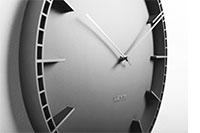 Коллекция Настенные часы 61 наименование стоимостью от 2990 до 14990 руб.