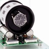 Шкатулка с инновационной технологией завода автоматических часов и футуристическим внешним видом