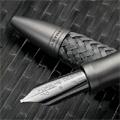 Коллекция Ручки и карандаши Porsche Design 33 наименования стоимостью от 3080 до 35500 руб.