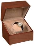 Шкатулка для часов с автоподзаводом Single Watch Winders. Выполнена из дерева