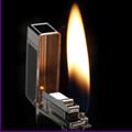 Коллекция Зажигалки Dupont 182 наименования стоимостью от 5250 до 1974000 руб. Коллекция газовых зажигалок от S.T. Dupont. Это роскошь и великолепие, возведенные в ранг искусства. Уровень исполнения газовых зажигалок S T Dupont и разнообразие стилевых направлений коллекции подойдёт  как резиденту Версаля так и гонщику формулы-1. Истинно французский бренд S T Dupont искуснейшим образом декорирует корпус зажигалок, используя высокопрочные ювелирные металлы и сплавы.
