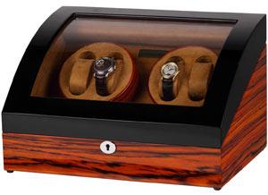 Шкатулка для подзавода 4-х механических часов изготовлена из натурального дерева.