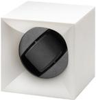Шкатулка Свисс Кубик белого цвета, выполнена из пластика и работающая от батарейках.