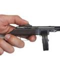 Коллекция Миниатюрное оружие 50 наименований стоимостью от 60000 до 1900000 руб. Миниатюрные коллекционные модели огнестрельного оружия — подарок, который обязательно произведет впечатление на мужчину. Такой эксклюзивной «игрушке» будет отведено почетное место в доме или в рабочем кабинете. Все экземпляры действующие, и являются мастерки сделанными точными копиями знаменитых моделей оружия. При этом они сохраняют основную функцию оригинала — возможность стрельбы огнестрельными патронами. Такое оружие уникально, оно изготавливается мастером в единых экземплярах.
