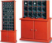 Шкаф с 50-ю отдельными модулями для подзавода часов