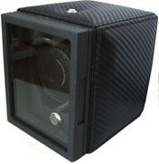 Кожанная шкатулка Underwood черного цвета для подзавода одних часов, отделка карбон. Работает от сети и от батареек.