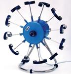 Модуль для 12 часов с автоматическим заводом Cyclomat часто используется на презентациях и показах различных моделей часов, где нужно, чтобы часы рассматривались со всех сторон.