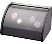 Шкатулка для 4 наручных часов. Черная полированная, отделка карбон. Обеспечивает все типы подзавода: по часовой стрелке, против часовой стрелки и переменное вращение.