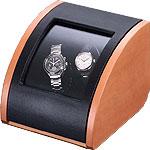 Шкатулка Elma Pure 2, для подзавода двух механических часов. Материал корпуса груша, отделка черная кожа, немецкий механизм, который работает от сети и от батареек. Уникальная модель по отличной цене